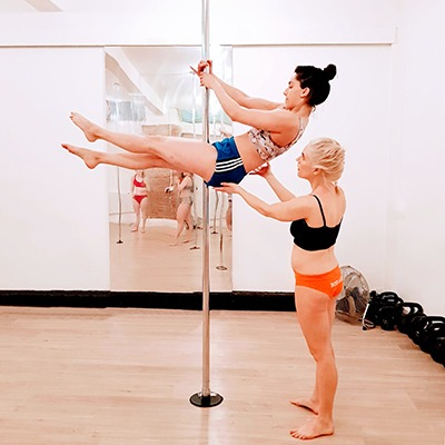 The art of spotting for pole dancers
